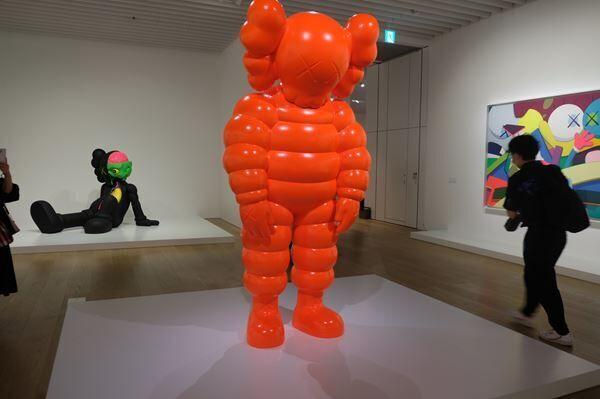 ブルックリンを拠点に活動するアーティストKAWS 日本初の大規模個展『KAWS TOKYO FIRST』をレポート!