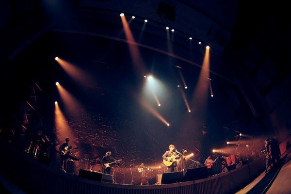 椿屋四重奏が一夜限りの復活、中田裕二ソロ10周年記念ライブに豪華ミュージシャンが次々登場