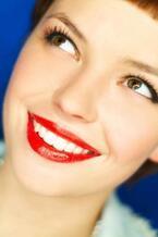 芸能人の歯が白いからくり教えます!意外と安くカンタンに「美しい白い歯」を手にしている芸能人はなにを使ってる?