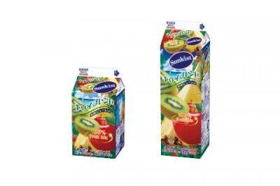 リンゴやキウイがタップリ!100%のフルーツミックス飲料!