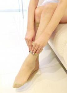 ナチュラルで履きやすい!美脚入門ストッキング、期間限定で新発売