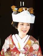 和婚での新婦のトレンドヘアは『文金高島田』!厳かな『和』が人気