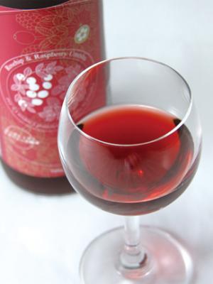 アロマ梅酒。ローズヒップとラズベリーは美容にも。