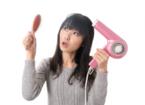 【梅雨】髪悩み女性はヘアスタイリングに2.4万円、15時間もかけている!