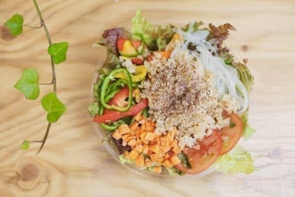 食べ放題・詰め放題! オーガニックジュース&サラダバーが六本木にオープン