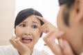 たるみやほうれい線…顔のエイジングサインに83%が「おばさん化」を自覚!