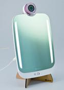 顔を映せばデータを分析 あなたの美を管理するミラー「HiMirror プラス」