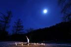 「星野温泉 トンボの湯」で、月の満ち欠けに合わせたヨガを開催