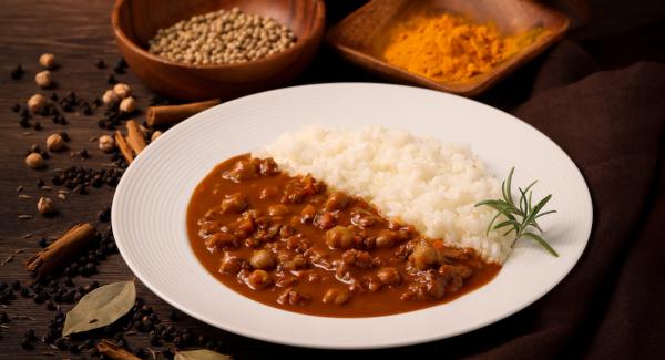 えんどう豆のキーマカレーで、おうちごはんをサポート キャンペーン中