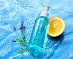 高い洗浄力と保湿力のある優しく香るクレンジングオイル誕生