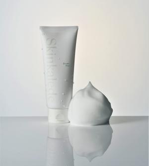 ケール葉エキス配合の洗顔料「ブースターフォーム」発売