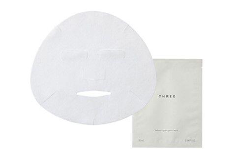 洗顔後すぐの肌に使用。THREEからスパ発想のオーガニック美容マスクが登場!