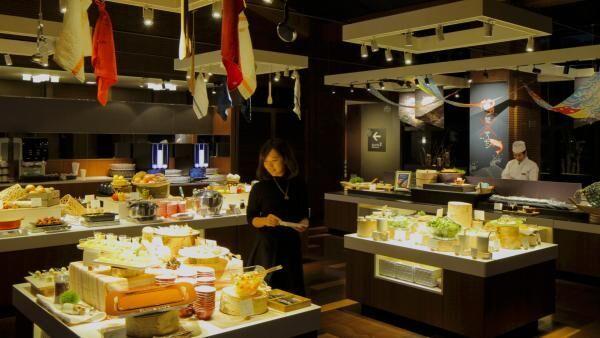 タラバガニ、いくら、サーモン…、トマムで味わう北海道グルメ!