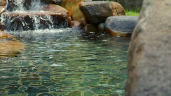 """""""神の湯""""で美肌磨き!  1300年の歴史をもつ温泉の秘密とは?"""
