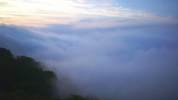 """死ぬまでに見たい究極の絶景! 一期一会の奇跡""""雲海テラス""""へ"""