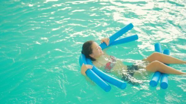 まるで胎内!?「星野リゾート ウトコ」の海洋深層水プール