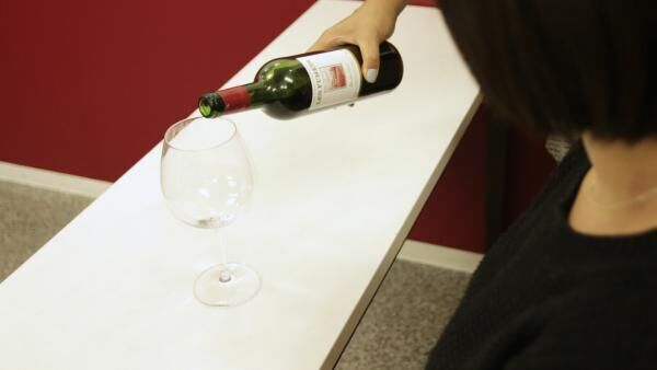 知ってた?ワインの飲み方にもマナーがあるんです!【大人の女のワイン入門】