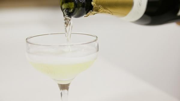 大人の常識!? シャンパーニュグラスのオススメ種類と洗い方・拭き方
