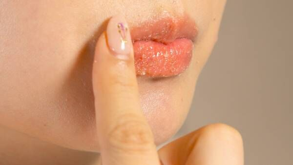 水曜日のご褒美ケアタイム。唇を整えるリップスクラブDIY&ケア