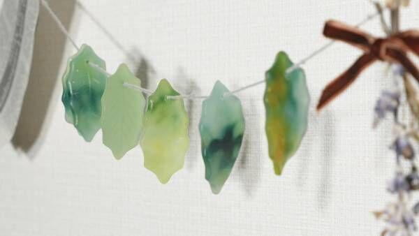 お部屋がグッと可愛くなる葉っぱのガーランド風キャンドル