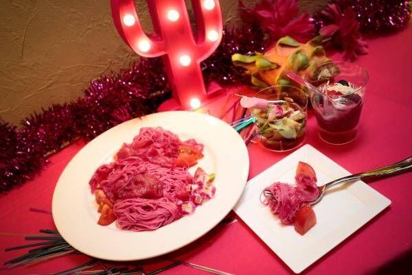 ピンク一色の胸きゅんカフェが7日間限定でオープン!