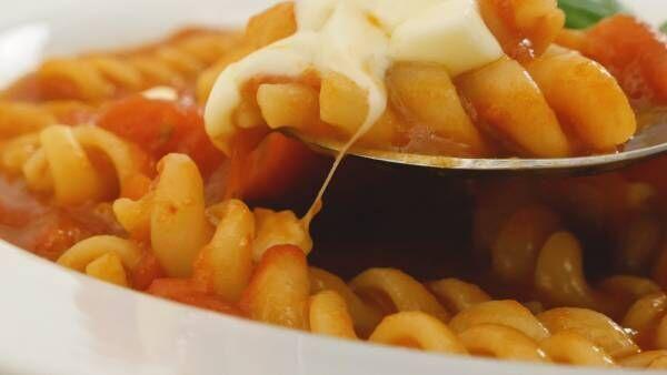 トマト鍋をリメイクで食べきる。「濃厚チーズパスタ」のレシピ
