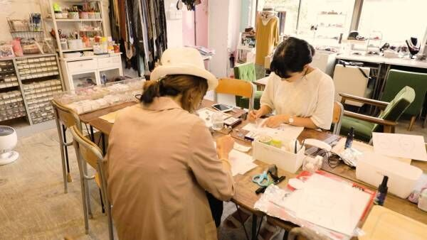 浅草橋「みちくさアートラボ」で宝石のようなブローチ作り体験!