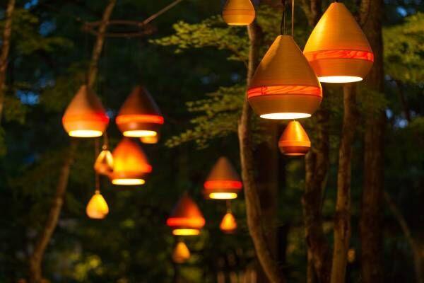 ランタン灯る幻想的な森「軽井沢高原教会 サマーキャンドルナイト2019」
