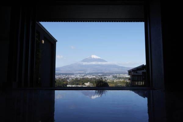 富士山の絶景を眺めながら浸かる静岡・御殿場の露天風呂「木の花の湯」