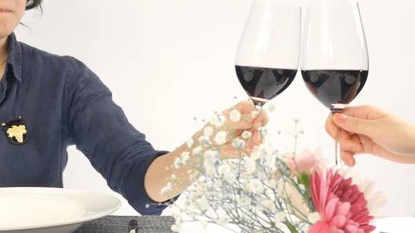 ワインの正しい注ぎ方!持ち方や注ぐ量・ラベルはどうする?