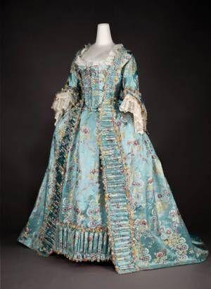 神戸ファッション美術館で特別展開催、ロココ~現代の西洋ドレスや写真など約150点展示!