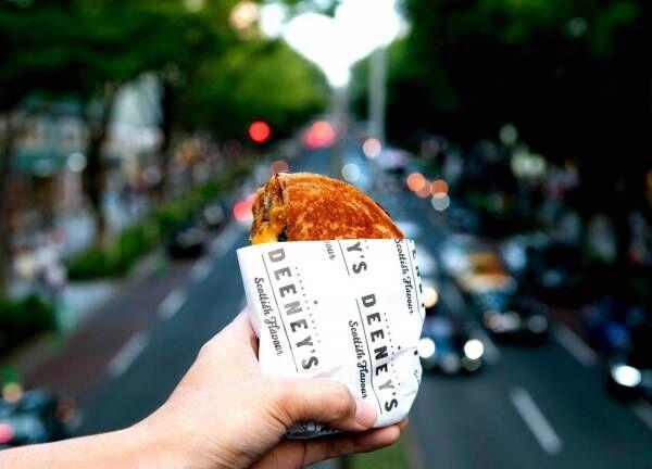 ロンドン発人気ストリートフード「ディーニーズ」の日本初路面店オープン!