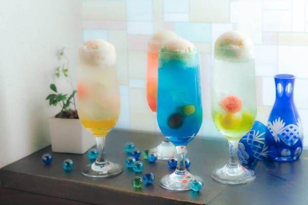 """レトロかわいい""""日本酒クリームソーダ""""、東京「日本酒バル 蔵のや」で夏限定登場!"""