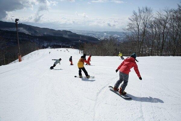 ゲレンデスペシャル♡ 今期のスキー場は星野リゾートがアツい!! 冬の絶景体験・コーチの後を滑るプログラム・女子カレー!