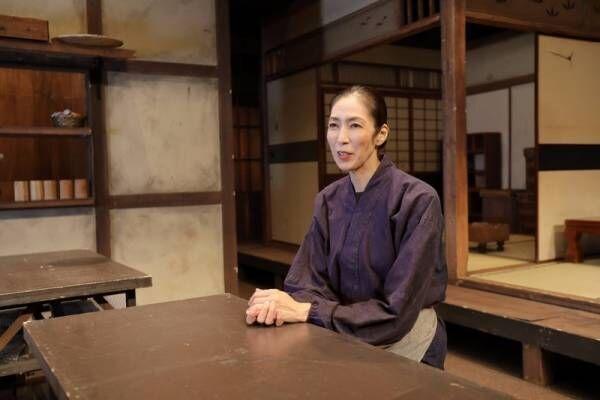 大林素子さんのエナジーの源はきのこ料理とピンクのソファ!?女優にかける想いのインタビュー