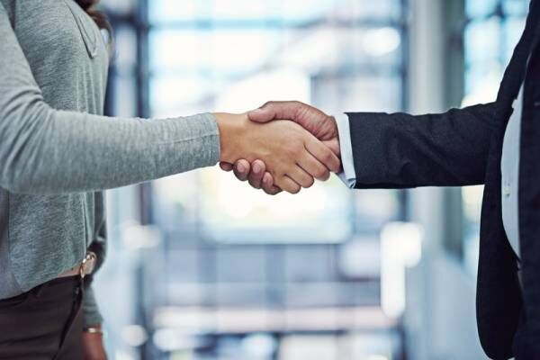 マンション売却を第三者に委任するには何が必要?代理人を立てる際の方法と注意点