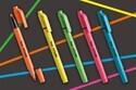 曲面でもまっすぐにキレイに線が引ける蛍光ペン『フィットライン』がデザイン性と機能性を兼ね備え価格もリーズナブル♪