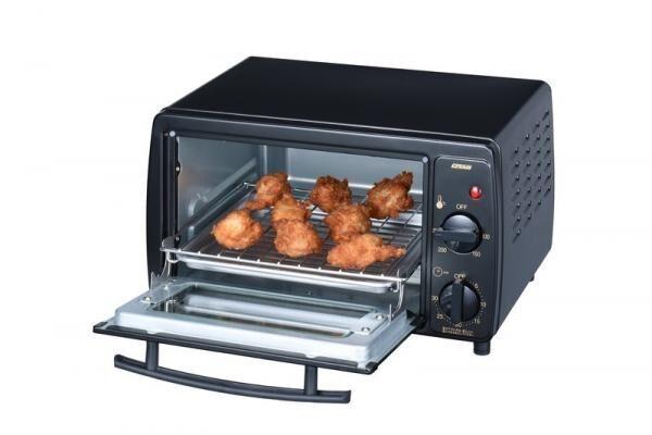 コンパクトなのに山型食パンが2枚同時に焼ける、広々庫内のノンフライオーブントースターが新登場! ポイントは熱対流機能♪