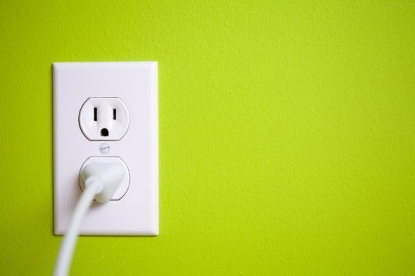 待機電力とは?効果的に減らして電気料金を節約する6つの方法