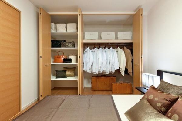 【かさばる衣類、どうやってしまう?】新しく家具を買い揃えなくて済む!収納のコツを一挙公開!