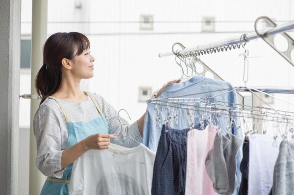 洗濯物のニオイやシワ対策どうする?主婦50人から学ぶ、洗濯物の上手な干し方