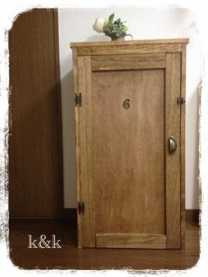 【収納上手】生活感を見せない!カラーボックスに扉をつけておしゃれに変身させるワザ