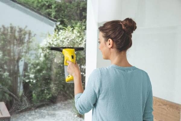 これ欲しかった!ケルヒャーの窓用バキュームクリーナーで面倒な窓拭きも簡単ピカピカ!