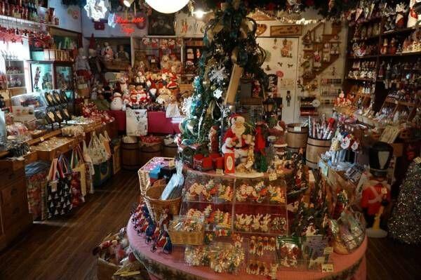 一年中クリスマスグッズがそろう!?〔クリスマストイズ〕でクリスマスツリー装飾のポイントを聞いてきた!