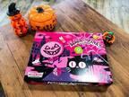 ハロウィンパーティーにぴったり〔クリスピー・クリーム・ドーナツ〕の限定ドーナツ!ブラック&ピンクで大人かわいい♪