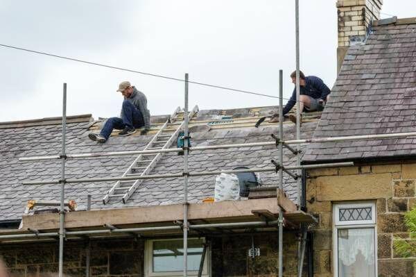 【専門家監修】屋根のリフォームの費用相場は?リフォーム内容やタミングもご紹介!