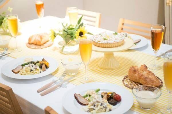 夏の食卓を涼しげにステキに彩る!おしゃれなテーブルランナーまとめ
