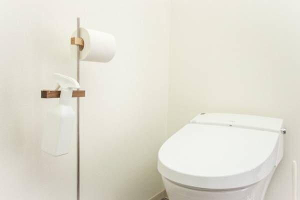 スタイリッシュな自立型のトイレットペーパーホルダー《BRANCH》で褒められトイレになろう