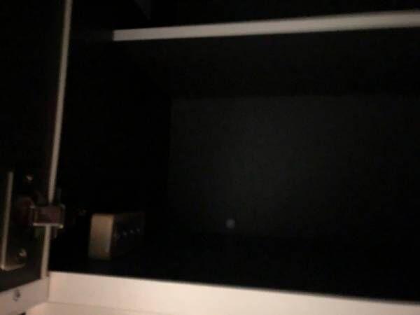 【セリア】棚の隅までピカッ!マグネット付きウォールライトがかなり使える♪