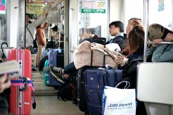 旅行や通勤で使える!電車で居眠りするときに首を痛めにくい眠り方とは?